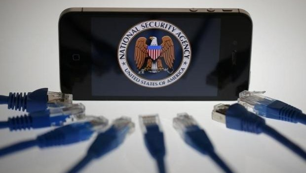 FBI-iphones-backdoor-620x350