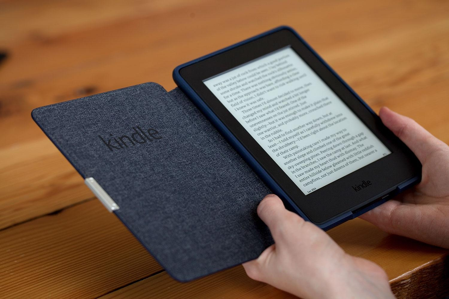 amazon-kindle-paperwhite-2015-in-hand-1500x1000