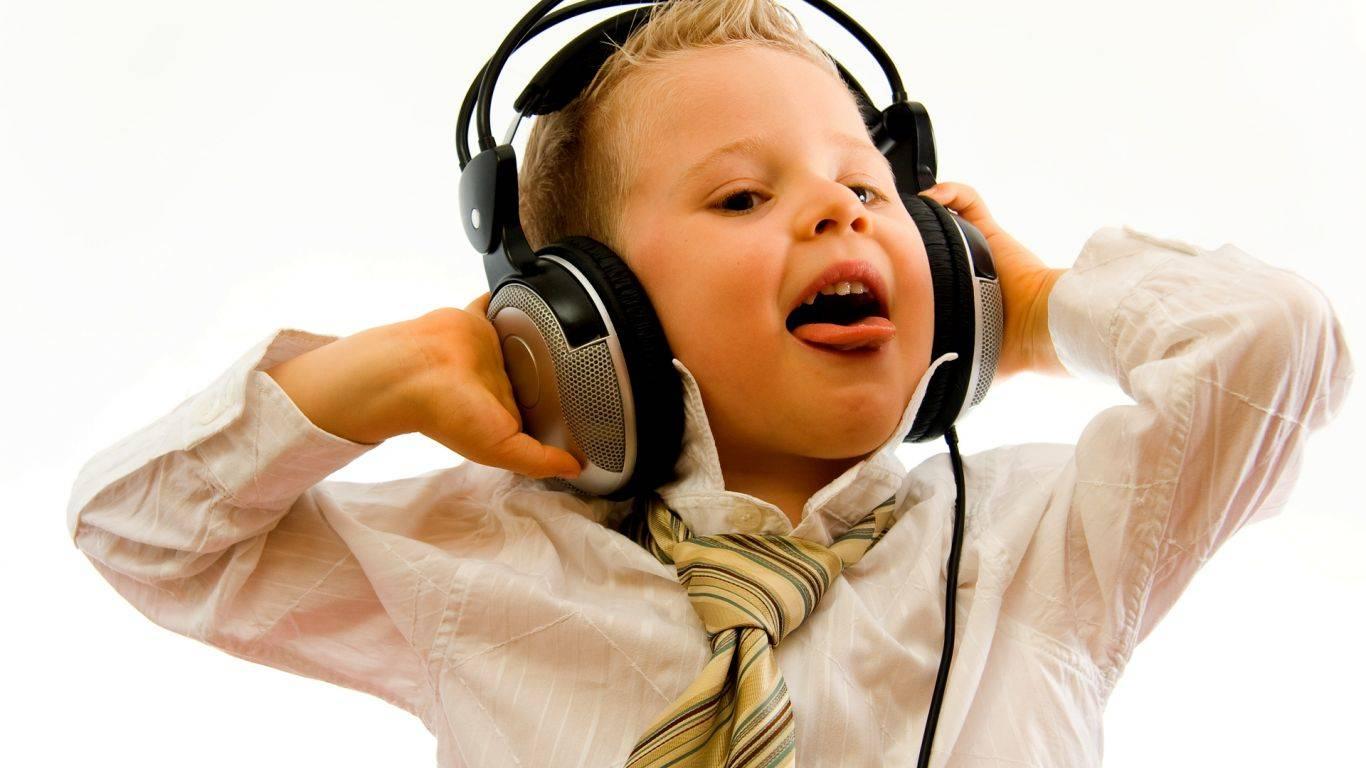 diseno-de-nino-escuchando-musica-3d-2112