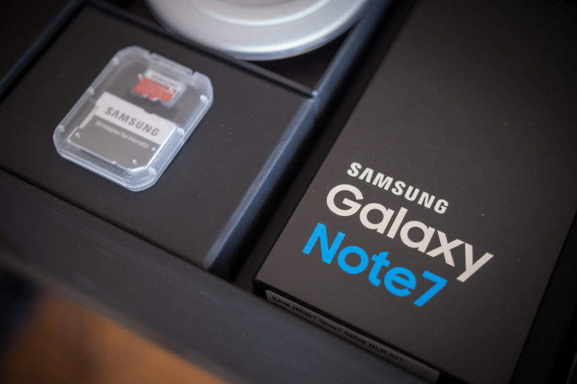 cdn02-androidauthority-net-samsung-galaxy-note-7-unboxing-aa-5-of-27-840x560
